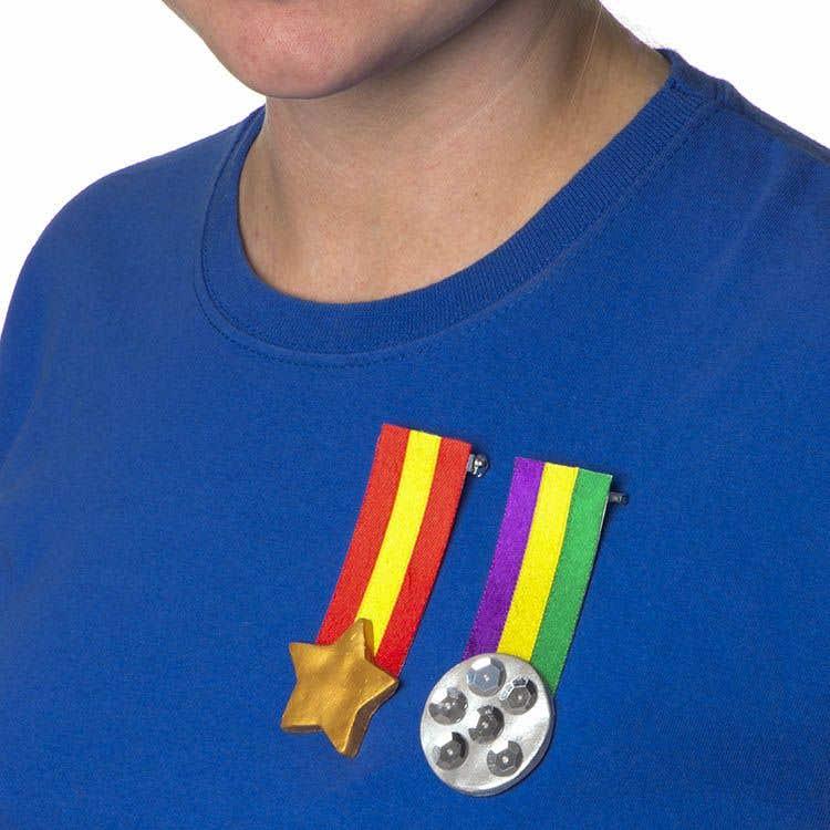 War Bravery Medals Free Craft Ideas Baker Ross