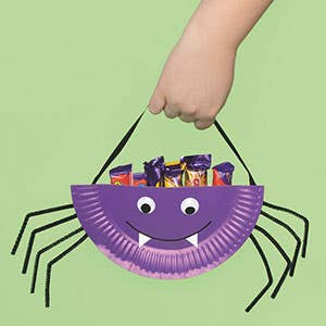 Paper-Plate-Spider-Treat-holder