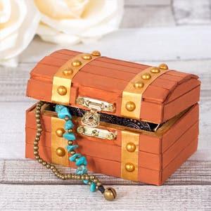 Treasure-Chest-Jewellery-Box